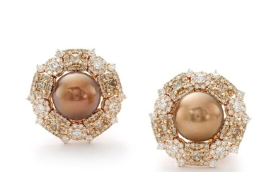 MICHELE DELLA VALLE | PAIR OF CULTURED PEARL AND DIAMOND EARRINGS