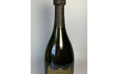 One bottle Champagne Dom Perignon Brut 1982. Ullage to appro...