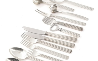 """Sigvard Bernadotte: """"Bernadotte"""". Sterling silver cutlery. Made by Georg Jensen, mainly marked after 1945. Weight excl. parts with steel app. 3970 gr. (110)"""