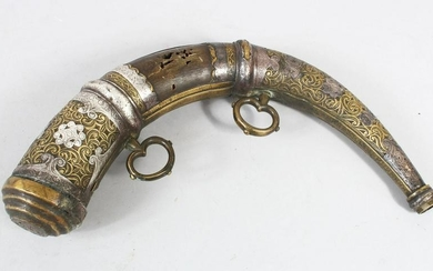 A GOOD ISLAMIC BRASS MOUNTED POWDER HORN, with engraved