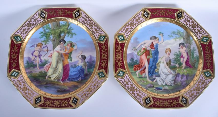 A LARGE PAIR OF EARLY 20TH CENTURY VIENNA PORCELAIN