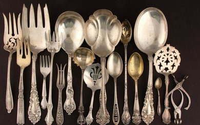 ASSORTED STERLING SILVER SERVING UTENSILS AND FLATWARE