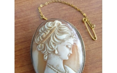 Cameo Broach with 9ct Gold Suround and Safety Chain, Approx ...