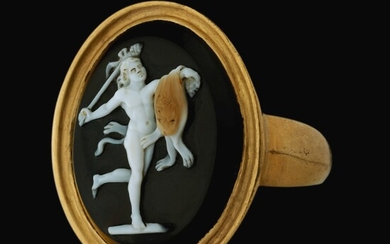 PROBABLY ITALIAN, EARLY 19TH CENTURY AFTER THE ANTIQUE   CAMEO WITH A DANCING SATYR