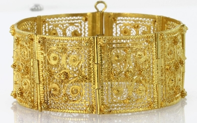 Yellow Gold Ladies Filigree Bracelet tests as 18ct weight 49...