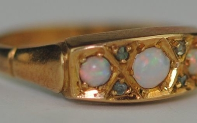 (Edwardian) Natural Fiery Opals & Diamond - 18 kt. Yellow gold - Ring