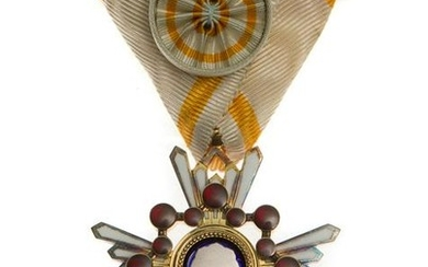 A WWII JAPANESE MILITARY ORDER OF THE SACRED TREASURE