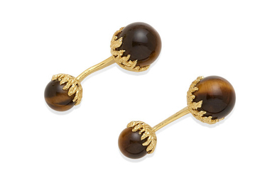 A set of tiger's eye and 18k gold cufflinks with box,