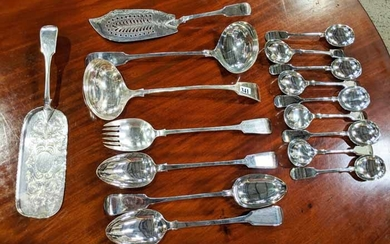 AN EXTENSIVE SILVER PLATED CUTLERY SET
