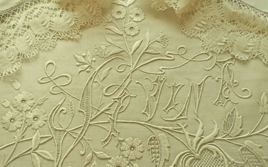 Antique pure linen bedding set with lace and large hand embroidery. (2) - Linen - Early 19th century