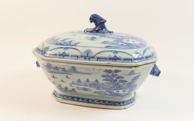 Chinese blue and white export covered tureen, late 18th/early...