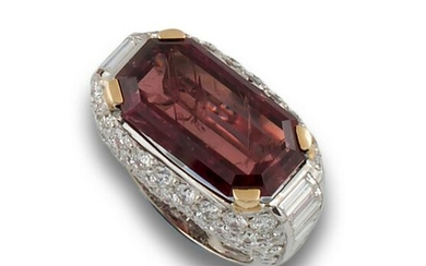 GOLD RING WITH AFRICAN RUBY DIAMONDS