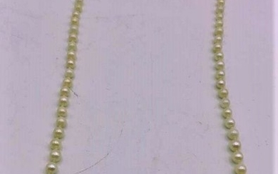 Pearl Necklace Graudated Size Pearls 14 K Gold Clasp