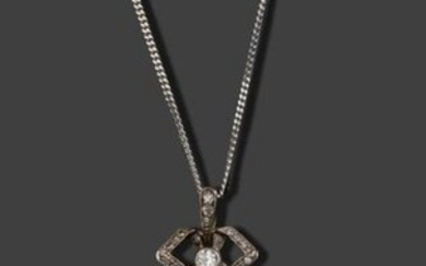 Pendant in gold 750 thousandths and silver 925 thousandths composed of a knot set with small diamonds retaining a drop pattern also set with diamonds and a pear-shaped pear 3.3 cm early Xxth century with a white gold chain 750 thousandths of 40 cm -...