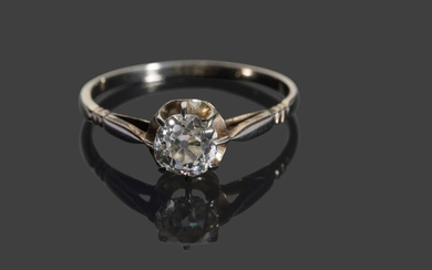 Ring in white gold 750 thousandths set with a solitaire diamond of about 0.70 carat 1.9 g.