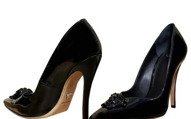 VERSACE PALAZZO BLACK PATENT LEATHER PUMP shoes