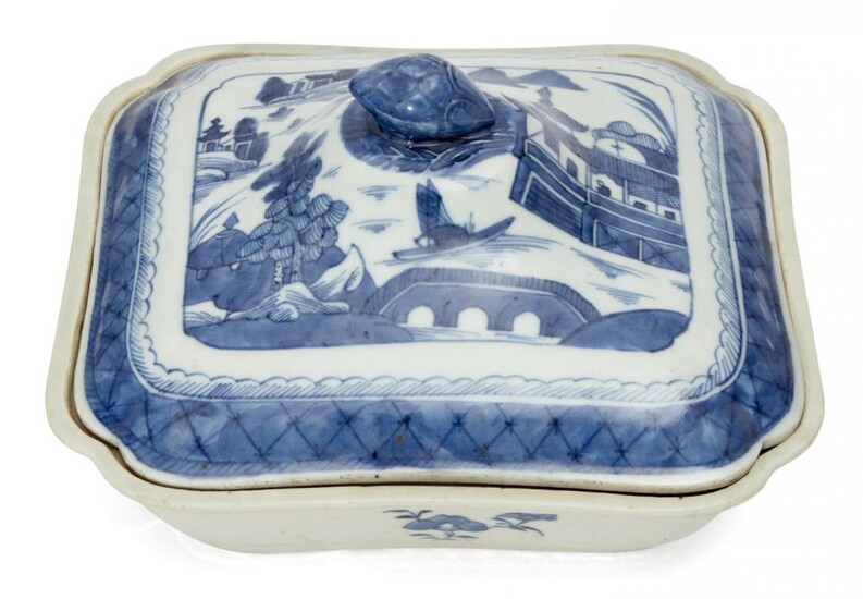 A Chinese export porcelain rectangular tureen and...