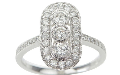 A DIAMOND PLAQUE RING IN 18CT WHITE GOLD, TOTAL DIAMOND WEIGHT ESTIMATED 0.74CT, SIZE M-N, 3.2GMS