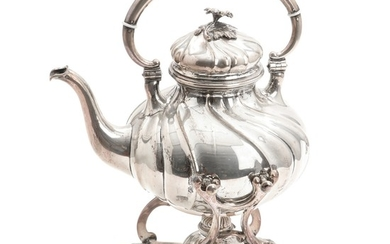 A Danish silver kettle on stand. No maker's mark, 1921. Weight app. 1474 gr. H. 28.5 cm.