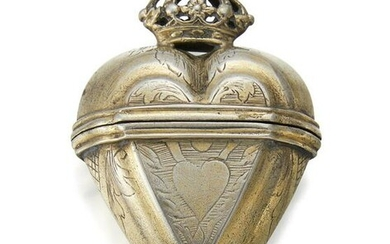 A WHITE-METAL HEART-FORM SPICE BOX (HOVEDVANDSAEG)