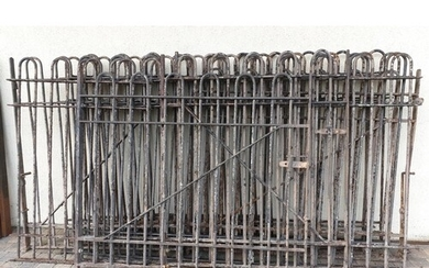 A large quantity of Cast Iron Railings with arched top. Tota...