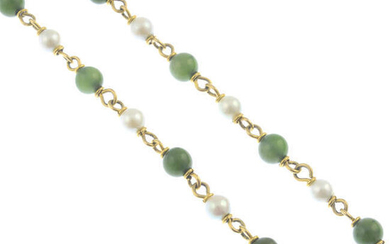 A nephrite and cultured pearl single-strand necklace.