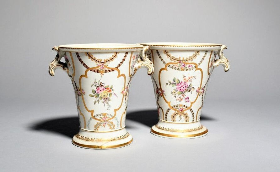 A pair of English porcelain vases 19th century,...