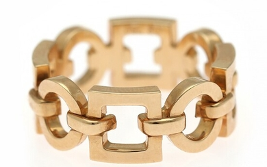 Boucheron: A ring of 18k gold. Serial no. C177.36045. W. 7.5 mm. Size app. 52.