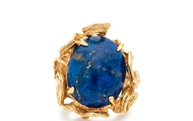 JEAN LASNIER, YELLOW GOLD AND LAPIS LAZULI RING