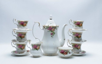 """Royal Albert Part Tea Service """"Old Country Rose"""""""