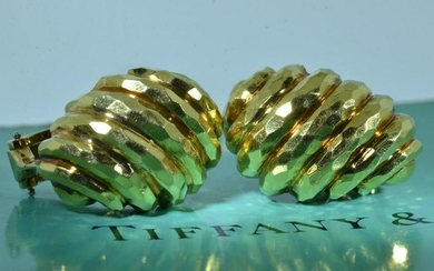 Tiffany & Company Clip on Earrings in Yellow Gold