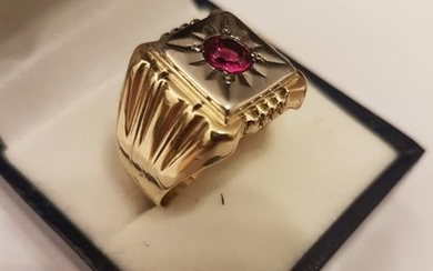 14 kt. Gold, Yellow gold - Ring - 0.55 ct Ruby
