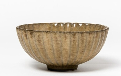 A CHINESE GREEN-BROWN GLAZED CERAMIC BOWL