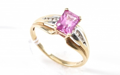 A PINK SAPPHIRE AND DIAMOND RING IN 9CT GOLD