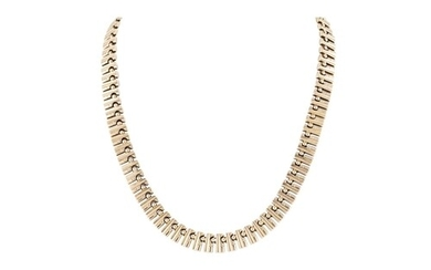 AN 18CT GOLD CHOKER NECKLACE, riveted links, 36 g