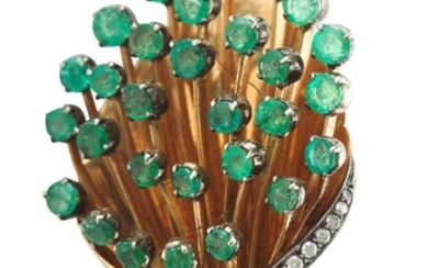 AN EMERALD AND DIAMOND JEWELLERY SUITE