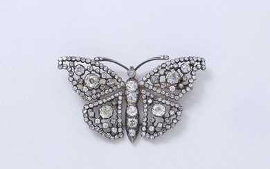 Beautiful openwork brooch in gold 750 and silver...