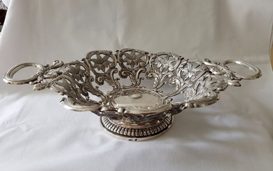 Large Antique Oval openwork silver basket with rich flower decoration - (1) - .835 silver - Europe - First half 20th century