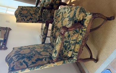 Pair of Queen's armchairs in walnut carved with...