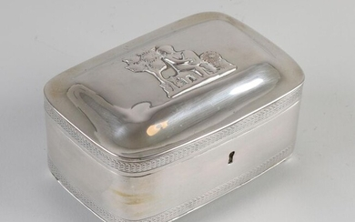 Silver tea box, rectangular model with rounded corners and 2 edged edges, placed on 4 ball legs. On top of the hinged lid is a soldered image of a figure with a harp outside on a bench, partly worn. The box has a lock. Approved with a label for...