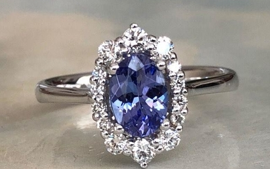18 kt. White gold - Ring with 0.80 ct Tanzanite and