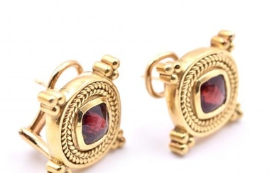 18k Yellow Gold Vintage Garnet Earrings