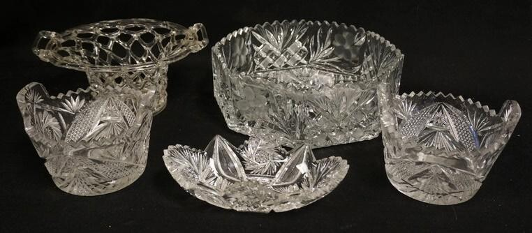 5 PIECE GLASS LOT W/ CUT GLASS
