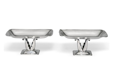 A PAIR OF AMERICAN SILVER TAZZE, PEER SMED, BROOKLYN, NY, 1934