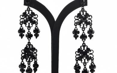 A PAIR OF LARGE BLACK DROP COSTUME EARRINGS, TO POST AND BUTTERFLY FITTINGS, LENGTH 10CM