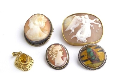 A VICTORIAN YELLOW METAL AND CARVED SHELL CAMEO BROOCH Class...