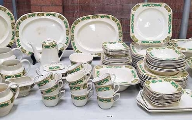 A WOOD'S IVORY WARE DINNER SERVICE
