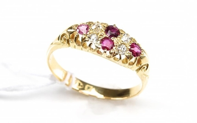 AN ANTIQUE RUBY AND DIAMOND SET RING IN 18CT GOLD, HALLMARKED CHESTER 1906, SIZE Q, 3.3GMS