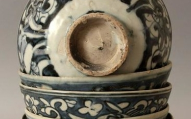 ANOTHER GROUP OF SIX SIMILAR CHINESE LATE MING BLUE &