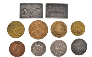 Lot of ten medals in gilt or silver bronze with a canine and equestrian theme